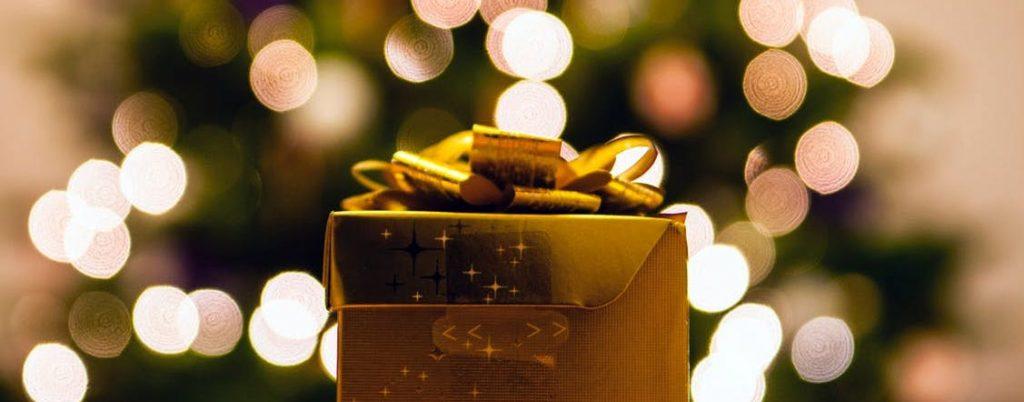 Geschenk in gold